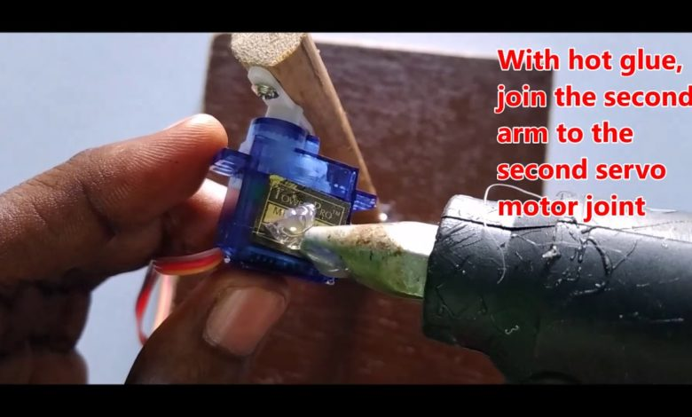 Photo of How To Make A Robotic Arm With Arduino