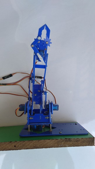 robotic arm front view